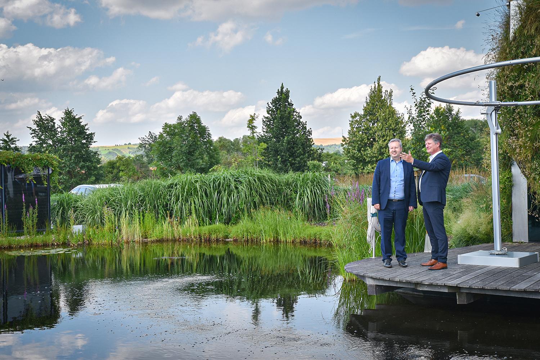 Ministr životního prostředí Richard Brabec navštívil 1. živou halu na světě LIKO-Vo